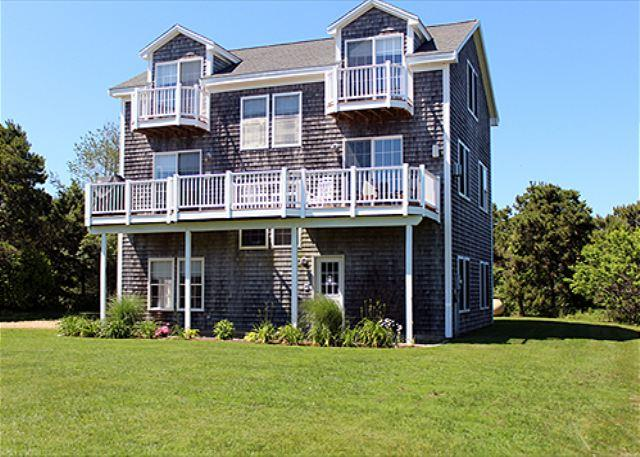 OPEN, AIRY, LIGHT AND SPACIOUS HOME IN THE KATAMA AREA - Image 1 - Edgartown - rentals