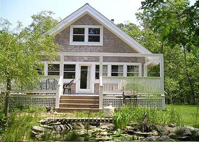 CHARMING COTTAGE OVERLOOKING SMALL PLEASANT FISH POND - Image 1 - Vineyard Haven - rentals