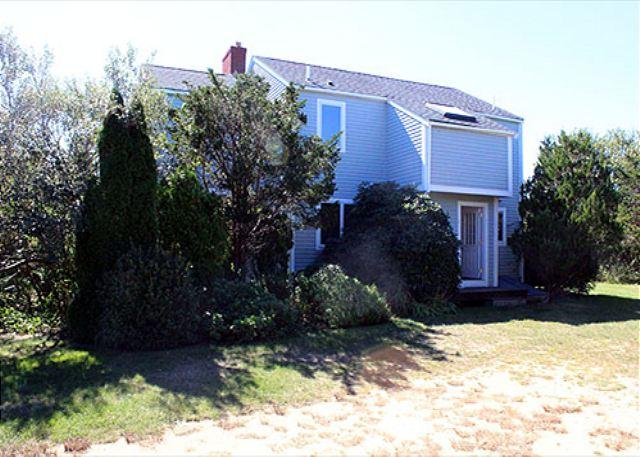 LISTEN TO THE DISTANT SURF FROM THIS LOVELY KATAMA HOUSE - Image 1 - Edgartown - rentals
