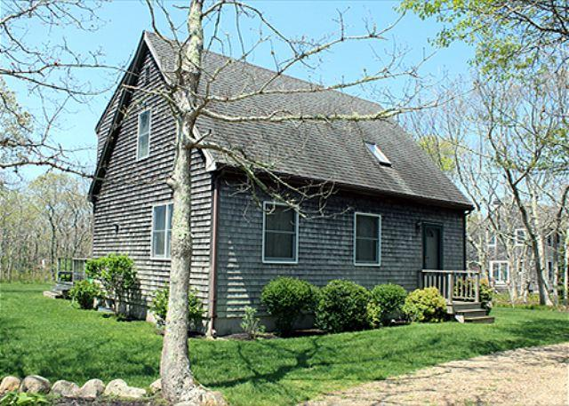 VINEYARD CAPE OLNY MINUTES FROM TOWN AND BEACH - Image 1 - Edgartown - rentals
