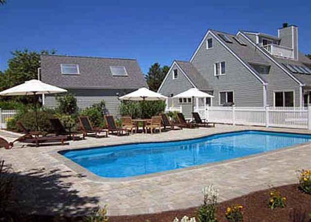 LUXURIOUS KATAMA W/ A POOL HOME IDEAL FOR A FAMILY GETAWAY - Image 1 - Edgartown - rentals
