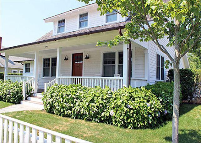 Beautiful Edgartown Village Home with Pool and Central Air Conditioning - Image 1 - Edgartown - rentals