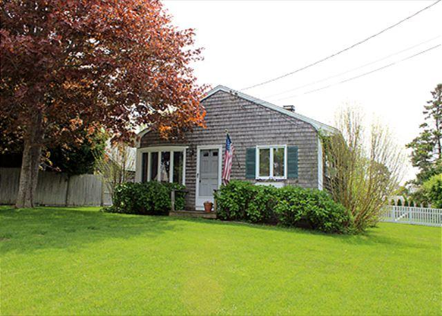 LOVELY IN-TOWN COTTAGE WITH LARGE BACK YARD - Image 1 - Edgartown - rentals