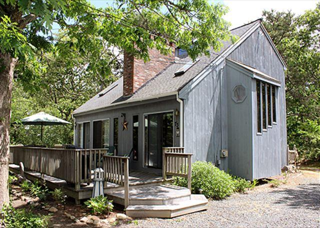 IMMACULATE, CASUAL SUMMERTIME SIMPLICITY - Image 1 - Edgartown - rentals