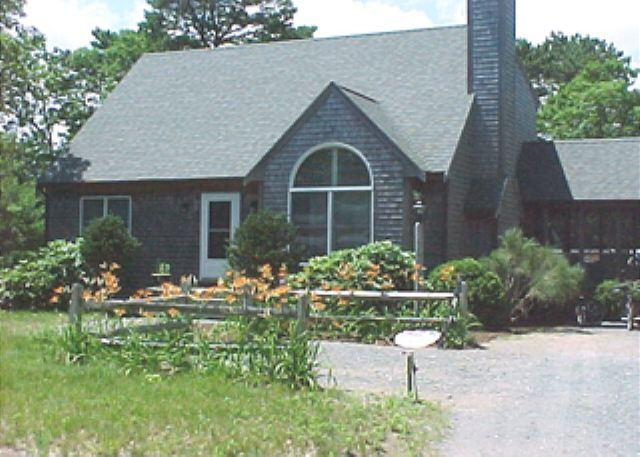 BRIGHT, CLEAN CAPE WITH CENTRAL AIR CONDITIONING - Image 1 - Edgartown - rentals