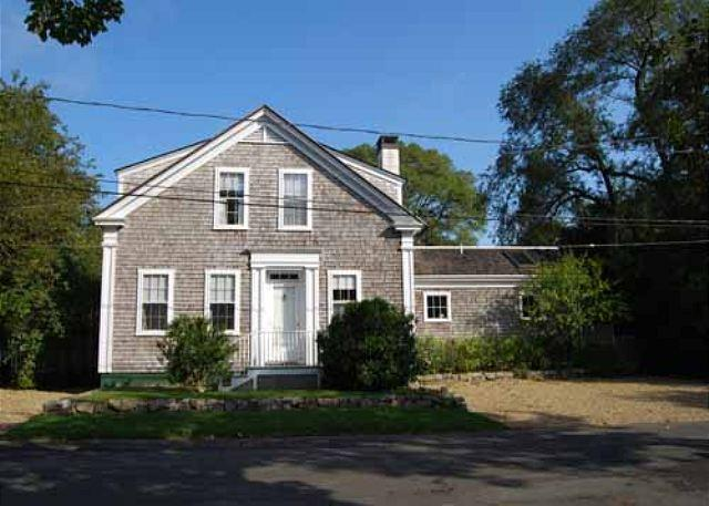 WONDERFUL 1900 SEA CAPTAINS HOUSE JUST A SHORT WALK TO EDGARTOWN - Image 1 - Edgartown - rentals