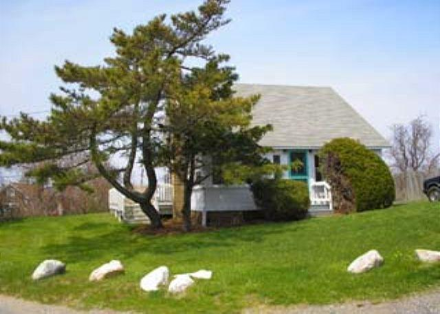 CLASSIC VINEYARD FISHING VILLAGE VIEWS FROM THIS QUINTESSENTIAL COTTAGE - Image 1 - Chilmark - rentals