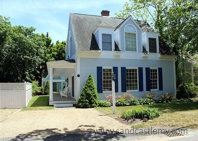 BEAUTIFUL IN-TOWN EDGARTOWN HOUSE AND GUEST - Image 1 - Edgartown - rentals