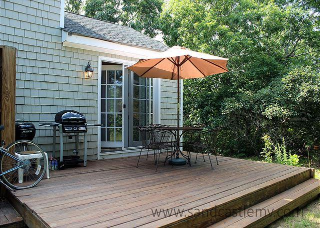SWEET CAPE LOCATED CLOSE TO BIKE PATH IN EDGARTOWN - Image 1 - Edgartown - rentals