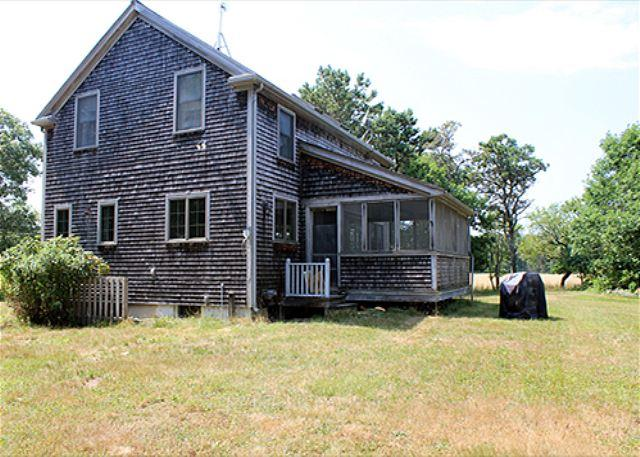 CASUAL COMFORT,PASTORAL SETTING MINUTES FROM THE SEA. - Image 1 - Chappaquiddick - rentals