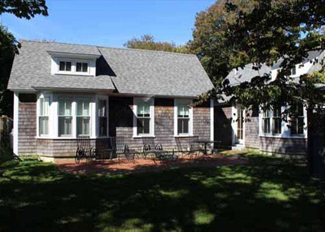 HOUSE & TWO GUEST HOUSES IN DOWNTOWN EDGARTOWN - Image 1 - Edgartown - rentals