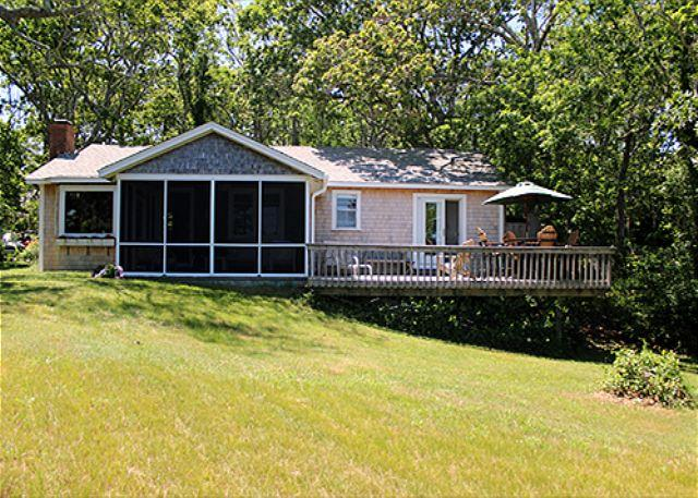 Beautiful four bedroom Oak Bluffs house. - Image 1 - Oak Bluffs - rentals