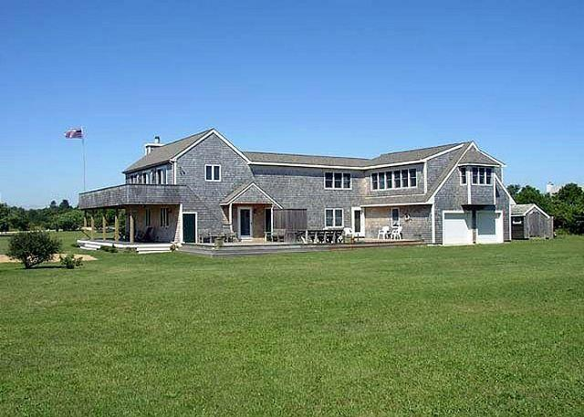 Relax and enjoy this spacious and well maintained family home - Image 1 - Edgartown - rentals