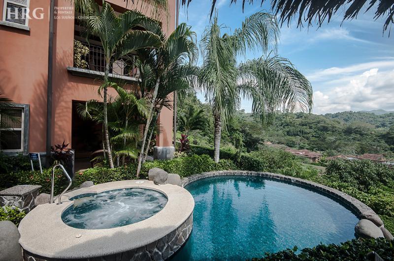 Jacuzzi and pool area. - Montebello 3E - Herradura - rentals