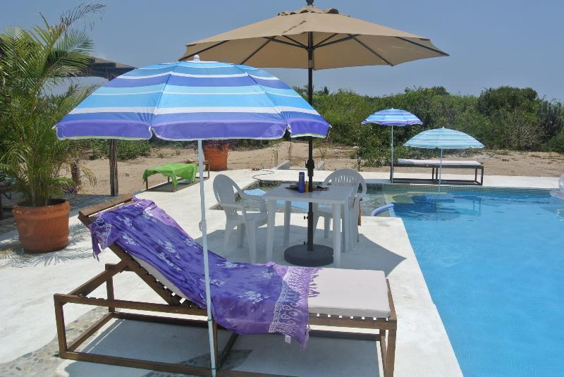 2 BR, 2 bath beach house just 2 minutes from the beach or sit by this amazing pool - 2 Bedroom Casa Steps from the Beach - Puerto Escondido - rentals