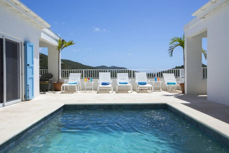 White Cottage - Image 1 - Rendezvous Bay - rentals
