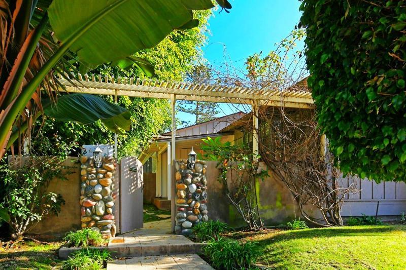 Beach House May Special $1200/wk. - Image 1 - La Jolla - rentals