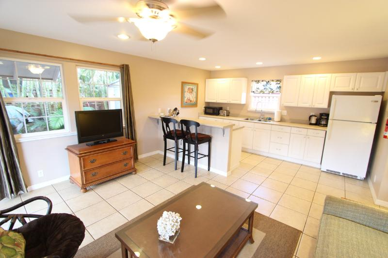 Kitchen from Living Room - 1BR Island Cottage Walk to Beaches & Paia Town - Paia - rentals