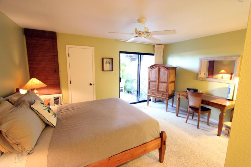 Master Bedroom - 1BR Walk to Highest Rated Beach, Waterfall Pool! - Kihei - rentals
