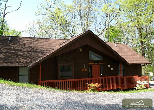 Above and Beyond   Private  Amazing Views  Hot Tub  WiFi   Free Nights - Image 1 - Gatlinburg - rentals
