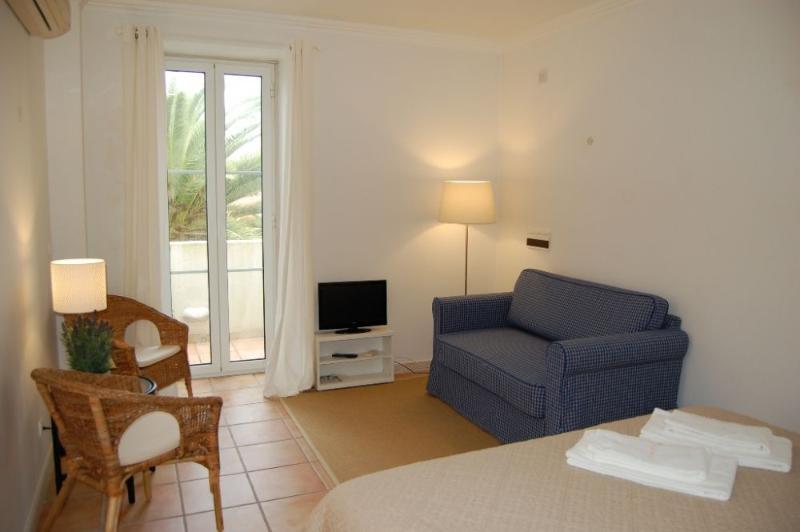 Bijou II - Image 1 - Monte Estoril - rentals