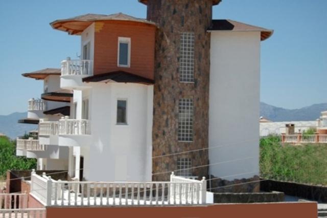 Castle View Villa & pool Beach/Shops/Bar 5/10 mins - Image 1 - Mahmutlar - rentals