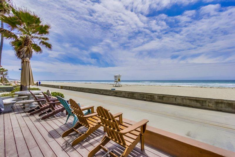 Jersey 2 - Mission Beach 2BR Oceanfront Gem - Image 1 - Mission Beach - rentals