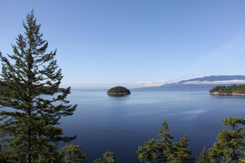 The view across to Texada and Vancouver Island from our front deck - Brook's Nook - Garden Bay - rentals