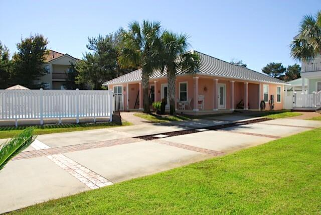 Welcome to the Coral Cabana, 3673 Scenic Highway 98 - Book for Fall now Golf Cart Pvt Pool Pets CC - Destin - rentals