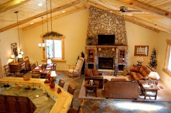 Exquisite Great Room - Eden Mountain Lodge: Executive Cabin with Forever Views and ALL the Amenities: Sleeps 14 - Big Bear Lake - rentals