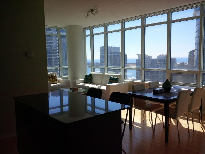 Downtown Spacious 2 Bedroom Harbourfront - Image 1 - Toronto - rentals