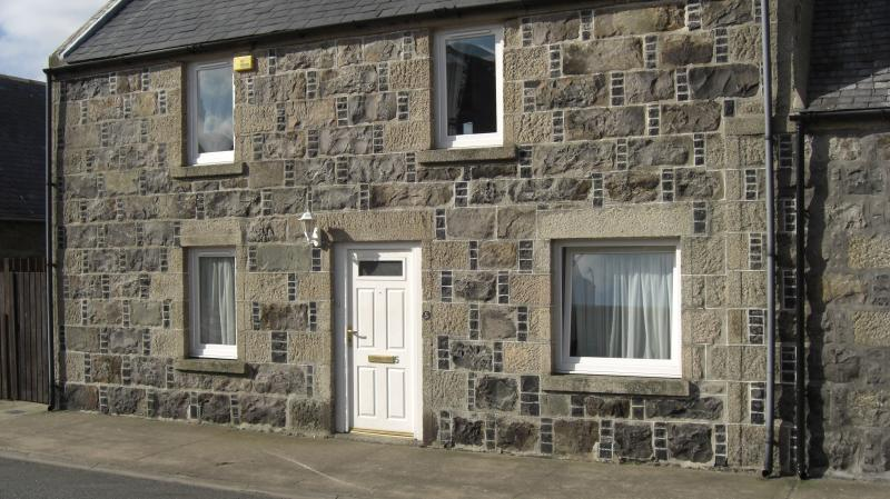 Front of cottage - The Creel Cottage. Rosehearty.Fraserburgh,Scotland - Fraserburgh - rentals