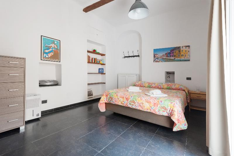 Master Bedroom 2015 - Cozy 2 bedroom apt with terrace - Corniglia - Corniglia - rentals