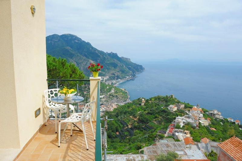 Passion by village centre, WiFi and view - Image 1 - Ravello - rentals