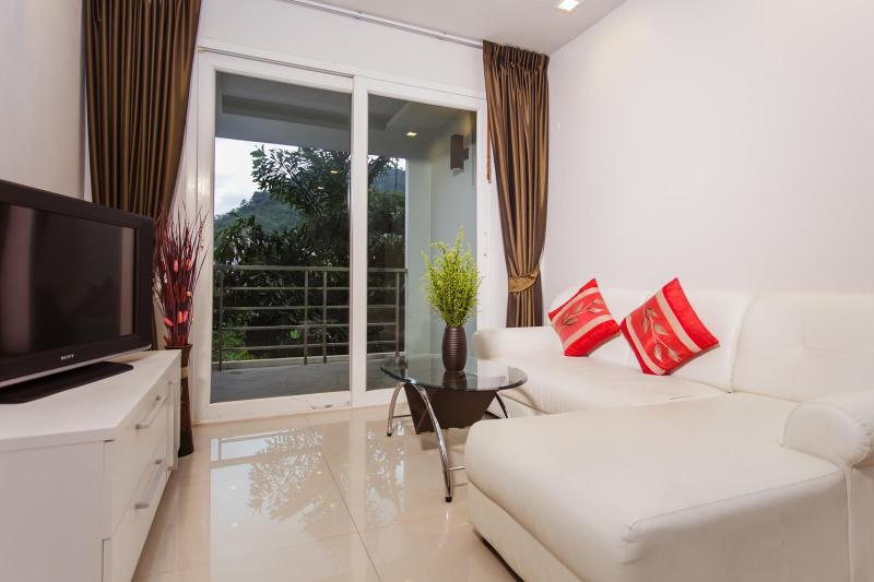 Intimate Apartment 700m to Beach! - Image 1 - Patong - rentals