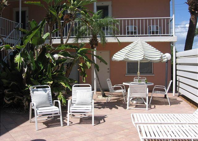 Cocoa Palms 204, on Venice Avenue - Image 1 - Venice - rentals