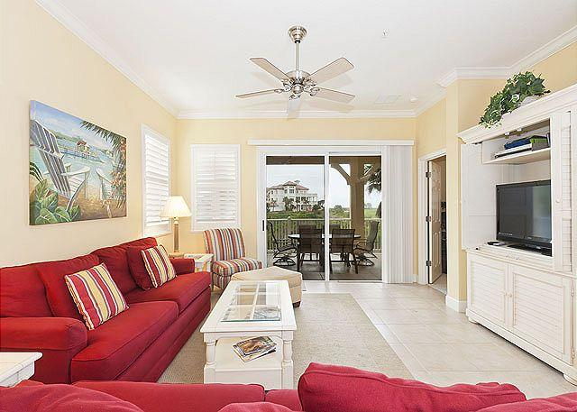 "Cinnamon Beach 321 comfortably sleeps 8 people - Cinnamon Beach 321, Ocean View Oversized Corner Unit, with new 42"" HDTV - Palm Coast - rentals"