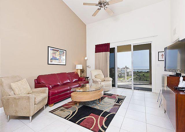 Cinnamon Beach 163 comfortably houses six people. - 163 Cinnamon Beach, Penthouse 6th Floor, elevator, 2 heated pools, wifi, spa - Palm Coast - rentals