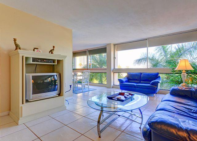 """Our modern style condo has great views and bright colors! - Palm Bay Club G46 new 40"""" HDTV, Heated Pool, Wifi - Siesta Key - rentals"""