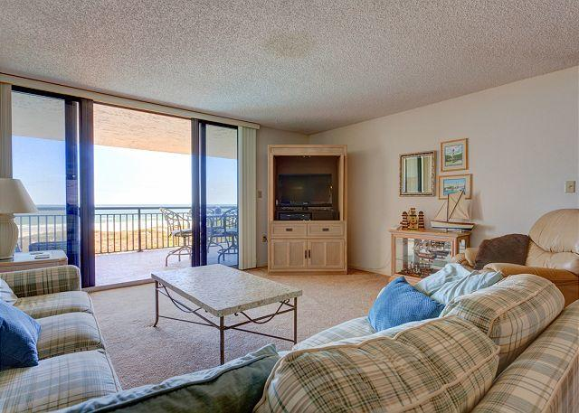 Sunrise ocean views, HDTV, comfy couches -- let's go! - Barefoot Trace 309, ocean front, 3rd floor, huge ocean front balcony, HDTV - Saint Augustine - rentals