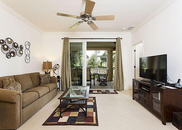 Savor the spaciousness of Tidelands 2114 - Tidelands 2114, New Furniture, Sleeps 8, Wifi, 2 pools, spas, gym - Palm Coast - rentals