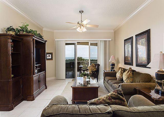 Cinnamon Beach 824 comfortably sleeps eight people! - Cinnamon Beach 824, Ocean Front 2nd floor, Ocean Balcony, Wifi - Palm Coast - rentals