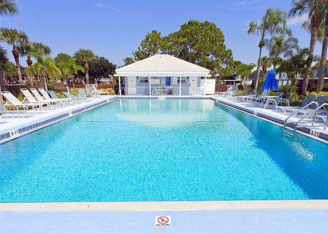 Relax and enjoy the luxurious pool and poolside area - Tangerine condo at Plantation Golf Course, Venice Florida - Pool, $1,995+/mon - Venice - rentals