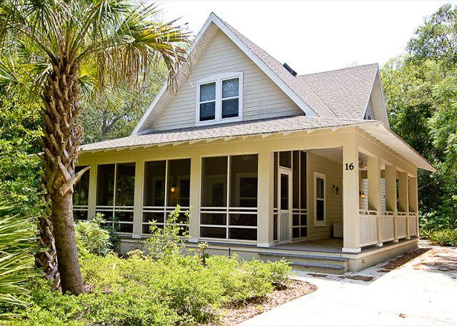 Our beautiful Eagle Castle home in Palm Coast, Florida is ideal! - Eagle Castle at Hammock Beach - 3 Bedrooms, sleeps 8, HDTV, Wifi, Wood Floors - Palm Coast - rentals