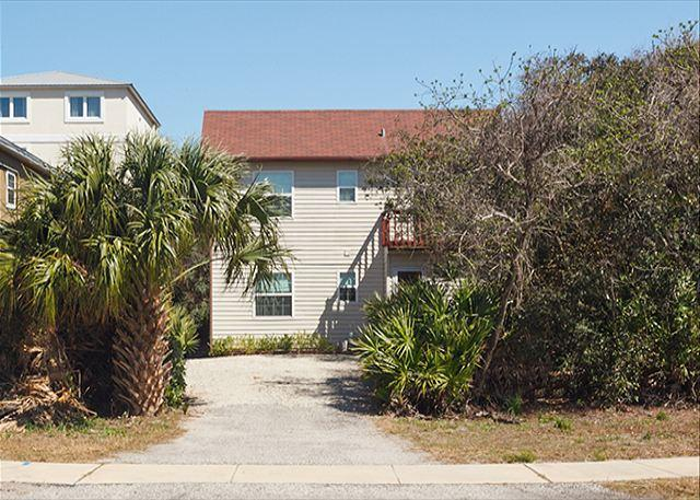 Get away from the hustle and bustle at our beach house! - St Augustine Beach Pelican Landing Beach House, 3 Bedrooms, HDTV, Wifi - Saint Augustine - rentals