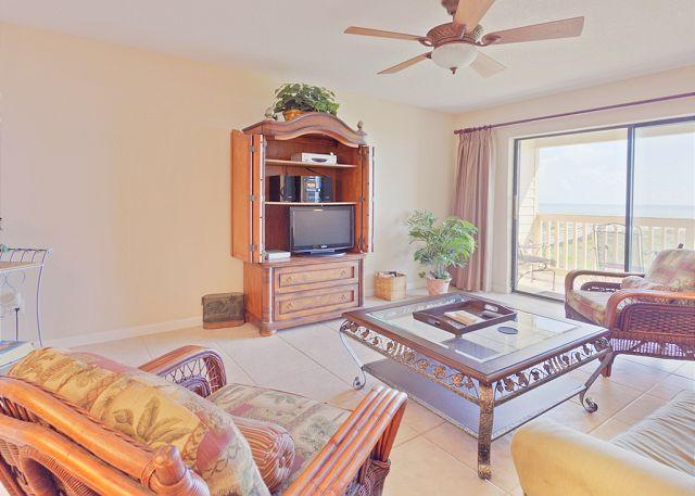 Unwind and rejuvenate at Sea Haven 216 - Sea Haven 216, Beach Front, Pool, St Augustine Beach & Crescent Beach Florida - Saint Augustine - rentals