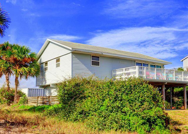 Playa Haus comfortably sleeps 8 people - Playa Haus Beach House, Ocean View home with 2 large decks - Saint Augustine - rentals