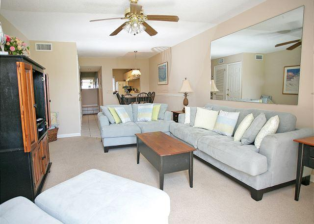 The pleasant, well furnished, and newly updated living room. - Summerhouse 132 - Ocean Views,4 Pools, St Augustine - Saint Augustine - rentals