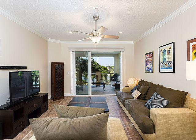 Our condo is sheer comfort and beauty! - Tidelands 2135, 3rd Floor, Elevator, HDTV, Sleeps 7, Wifi, 2 pools, spas - Palm Coast - rentals