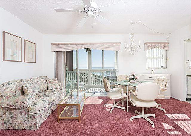 Beautiful views come inside with you at San Marco 611! - San Marco 611, 6th Floor, heated pool, gulf views, sunsets - Venice - rentals